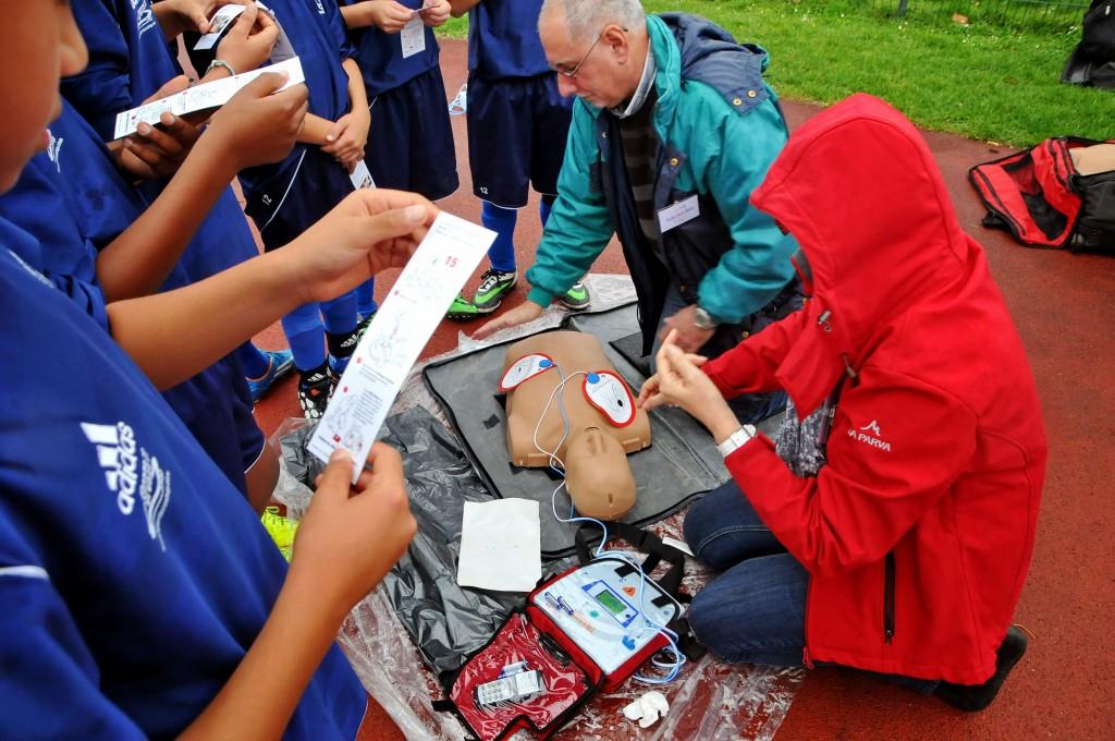 Des centaines de jeunes de la FFF ont été sensibilisés par des bénévoles, ici des moniteurs de GHW.